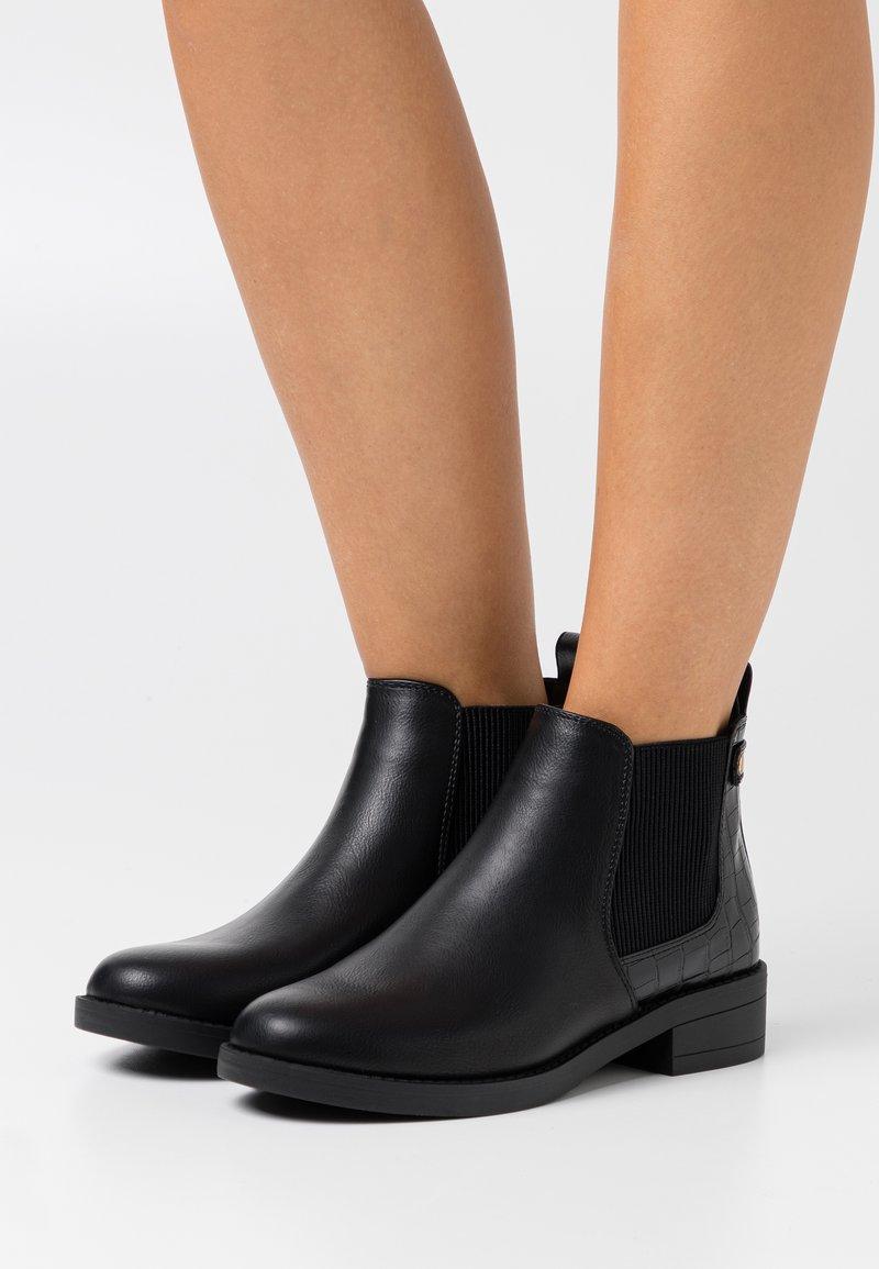 New Look - CROC MIX CHELSEA - Botines bajos - black