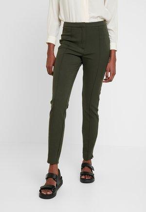SLFILUE PINTUCK SLIT PANT - Trousers - rosin