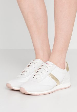 ADRIENNE - Trainers - gold