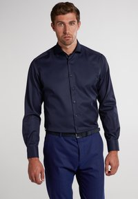 Eterna - MODERN FIT - Zakelijk overhemd - marine - 0