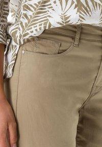BRAX - STYLE MARY S - Slim fit jeans - khaki - 3