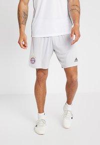 adidas Performance - FC BAYERN MÜNCHEN - Pantalón corto de deporte - grey - 0