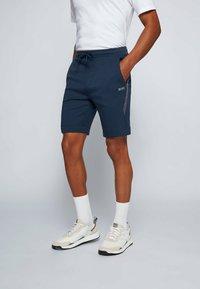 BOSS - HEADLO - Shorts - dark blue - 0