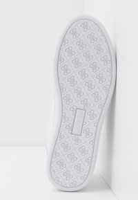 Guess - RAZZ - Sneakers laag - white - 6