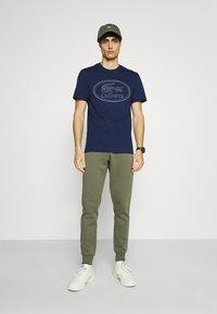Lacoste - Print T-shirt - scille - 1