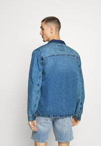Redefined Rebel - EARL WORKER JACKET - Denim jacket - light blue - 2