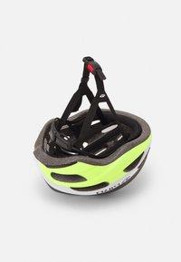 Giro - ISODE UNISEX - Helm - black fade/highlight yellow - 3