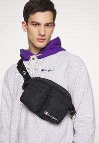 Champion Reverse Weave - BELT BAG - Bum bag - black - 1
