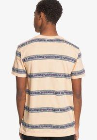 Quiksilver - Print T-shirt - apricot mixtape aop - 2