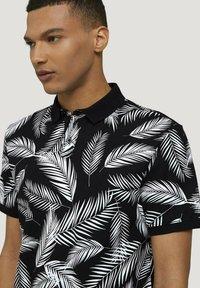 TOM TAILOR DENIM - Poloshirt - black white palm leaves print - 4
