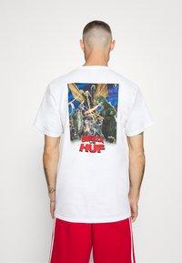 HUF - DESTROY ALL MONSTERS TEE - Print T-shirt - white - 0