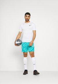 Nike Performance - STRIKE - Sports shorts - aquamarine/tropical twist/white - 1