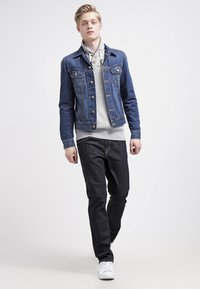 Volcom - SOLVER DENIM PANT - Straight leg jeans - rinse - 1