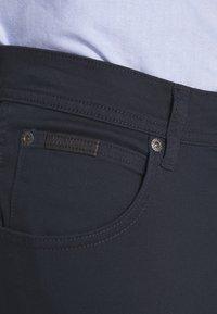 Wrangler - TEXAS - Jeans straight leg - navy - 5