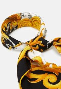 Versace - FOULARD - Foulard - bianco/nero/oro - 1