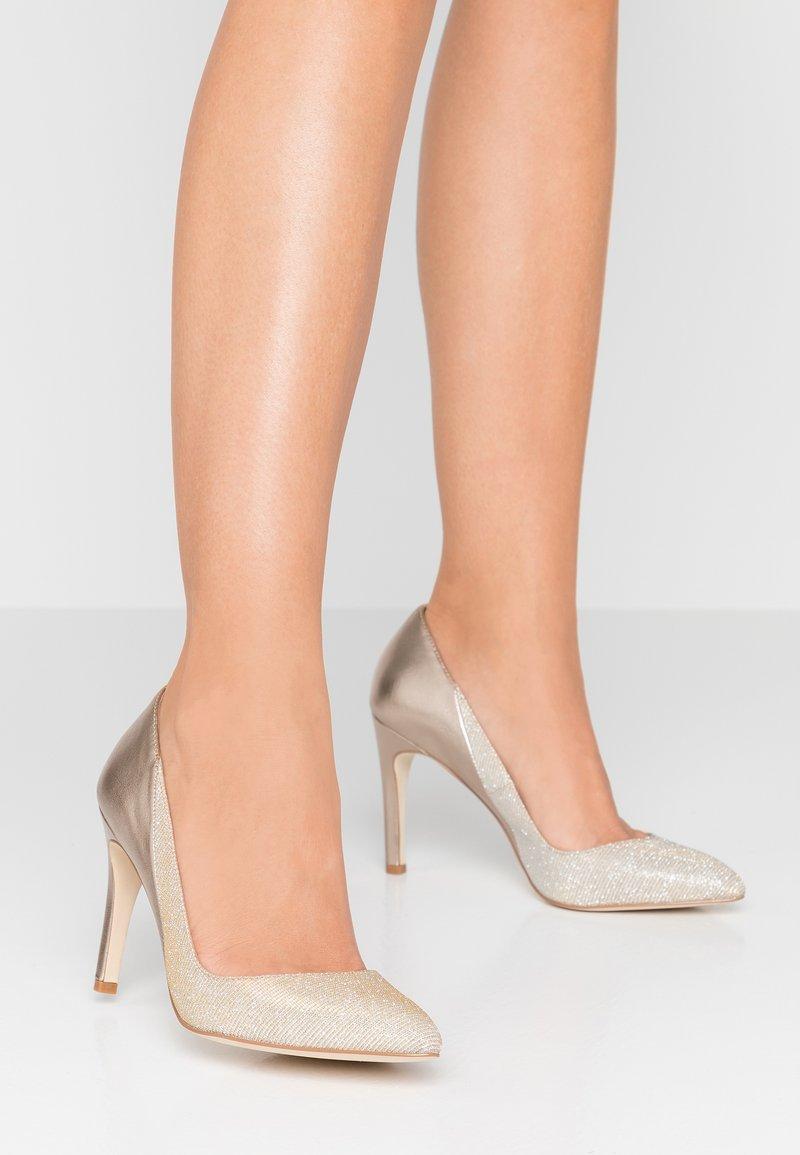 KIOMI - High heels - gold