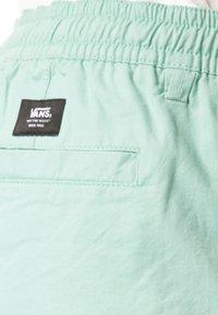 Vans - Shorts - green - 3