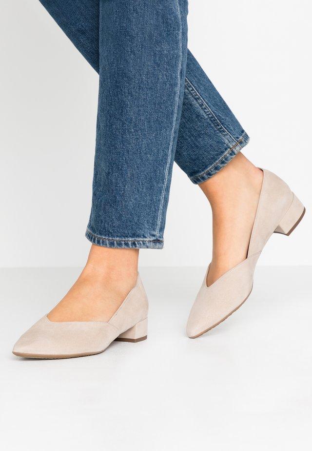 SHADE - Classic heels - sand