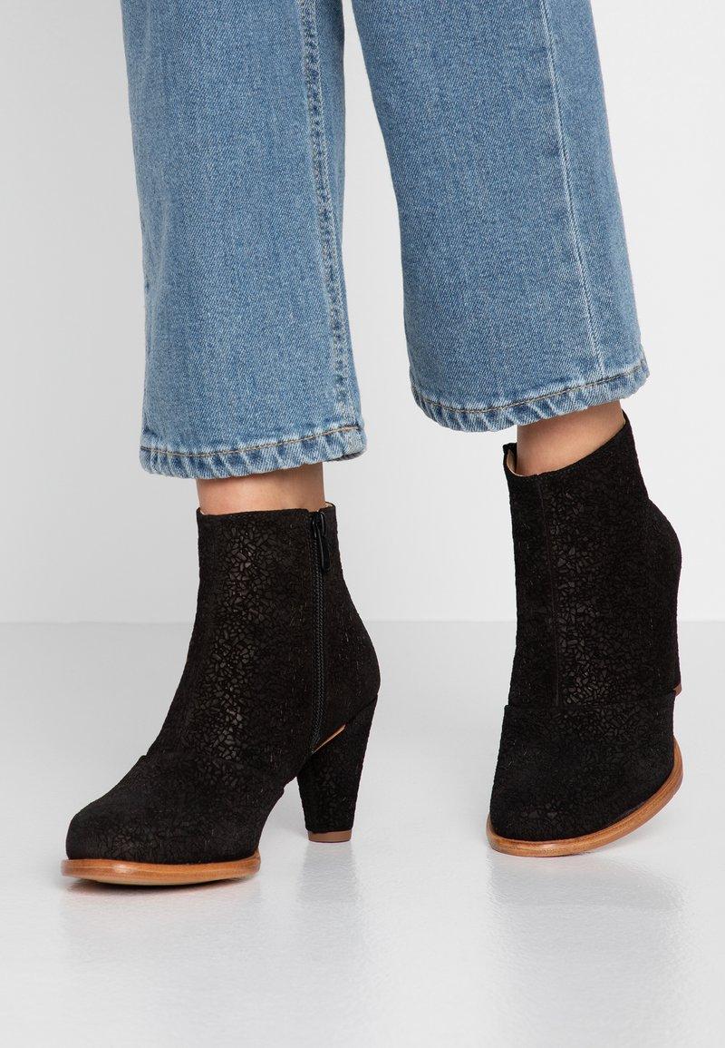 Neosens - BEBA - Korte laarzen - black