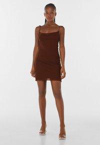 Bershka - Denní šaty - brown - 1