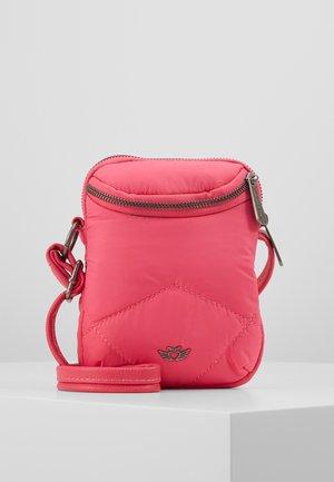 DARCI - Across body bag - fuchsia