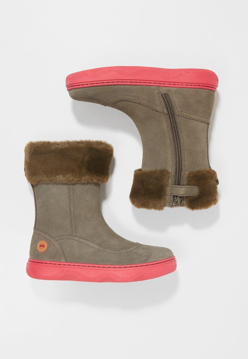 Camper - KIDDO - Winter boots - grey/pink