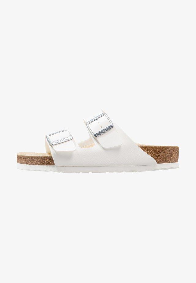 ARIZONA - Pantolette flach - white