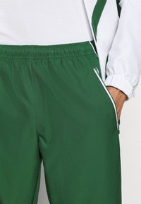 Lacoste Sport - SET TENNIS TRACKSUIT HOODED - Dres - white/green - 10