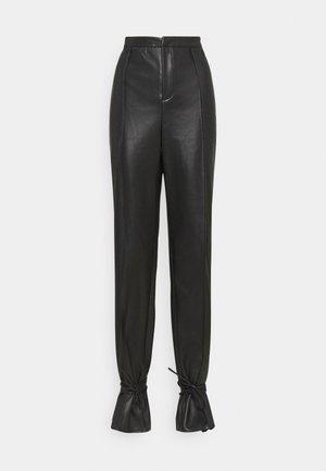 TIE CUFF TROUSER - Trousers - black