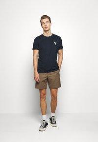 Selected Homme - SLHFRESNO  - Basic T-shirt - sky captain - 1