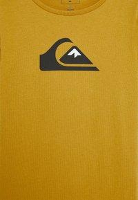 Quiksilver - SCREEN TEE - Print T-shirt - honey - 2