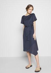 WEEKEND MaxMara - PALAZZI - Denní šaty - ultramarine - 0