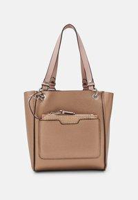 PARFOIS - BAG VIOLET SET - Handbag - pink - 4