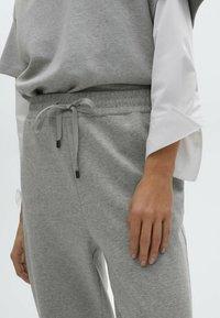 Massimo Dutti - Tracksuit bottoms - light grey - 1