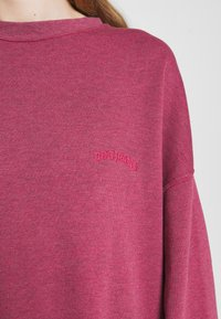 BDG Urban Outfitters - CREWNEWCK  - Sweatshirt - raspberry - 6