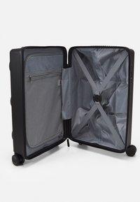 Lego Bags - LEGO SIGNATURE - Wheeled suitcase - black - 2