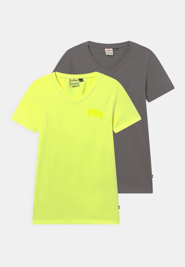 HAIRO 2 PACK - T-shirts basic - chill yellow