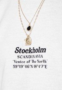 Topman - STOCKHOLM HERITAGE PRINT - Sweater - white - 4