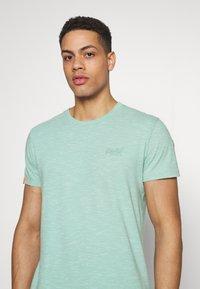 Superdry - VINTAGE CREW - Basic T-shirt - fresh mint space dye - 4