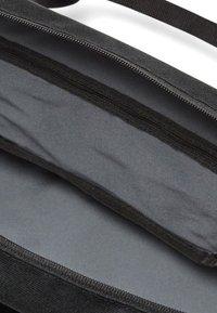 Nike Sportswear - Sac de sport - Black/Wolf Grey - 3