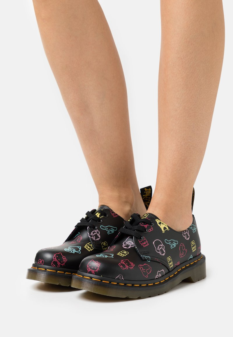 Dr. Martens - 1461 X HELLO KITTY & FRIENDS - Lace-ups - black smooth