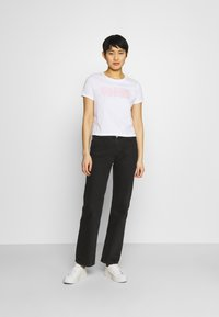 Guess - ADRIA TEE - T-shirts med print - true white - 1