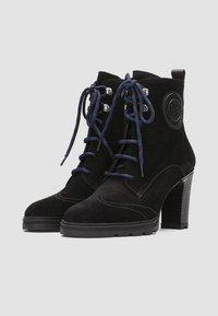 Hispanitas - Lace-up ankle boots - black - 1