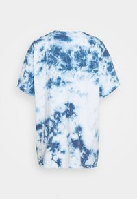 BDG Urban Outfitters - TIE DYE EMBROIDERED TEE UNISEX - Print T-shirt - blue - 1