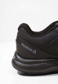 Reebok - ULTRA 6 DMX MAX - Walking trainers - black/alloy - 5