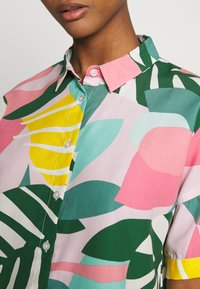 Dedicated - NIBE COLLAGE LEAVES - Button-down blouse - pink - 5