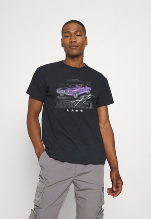 ON THE RUN  - Print T-shirt - washed black