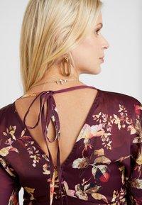 Hope & Ivy Maternity - KIMONO DRESS - Denní šaty - bordeux - 5