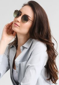 Ray-Ban - 0RB3447 ROUND METAL - Sunglasses - bronze/copper - 1
