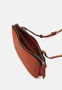 Calvin Klein - CROSSBODY DOUBLE - Across body bag - brown - 2